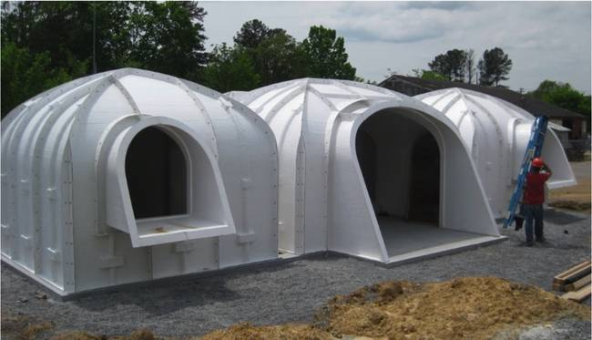 Here\'s the dirt on a prefabricated plastic earth sheltered home ...